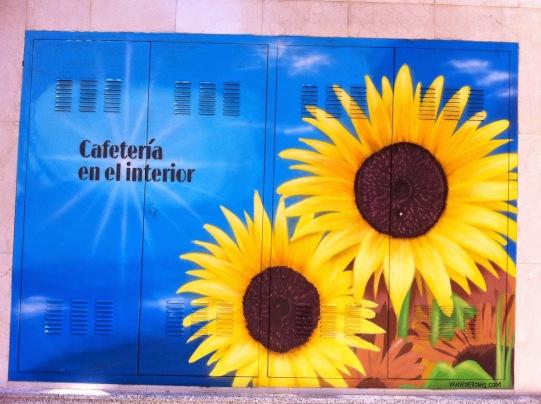 Girasoles graffiti. Hotel Novotel Center. Graffiti Madrid