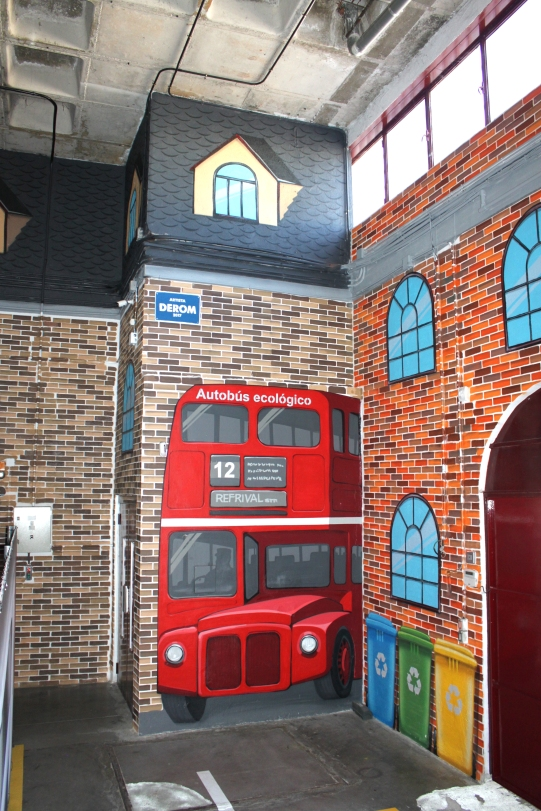 Decoración nave (ladrillos pintados). Graffiti profesional